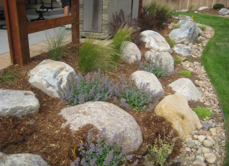 River boulder rock garden for Landscaping with rocks and boulders